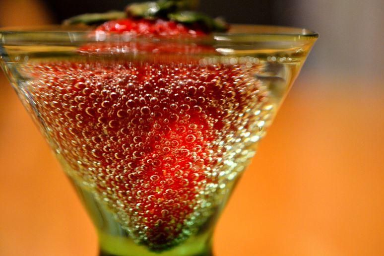 Strawberry & Seltzer